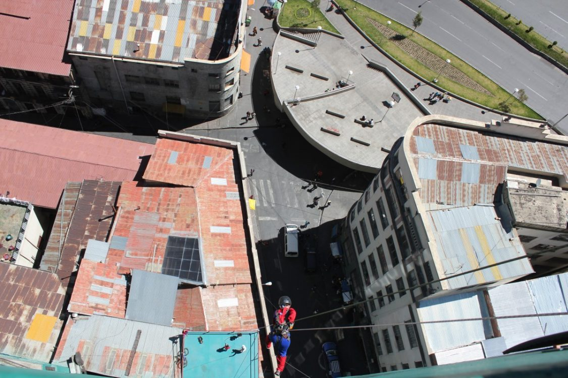 Face First abseiling Urban Rush La Paz ©Bunch of Backpackers