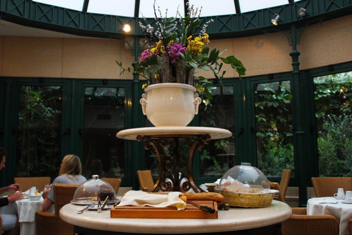 Breakfast room of the Hera Hotel. ©Bunch of Backpackers.