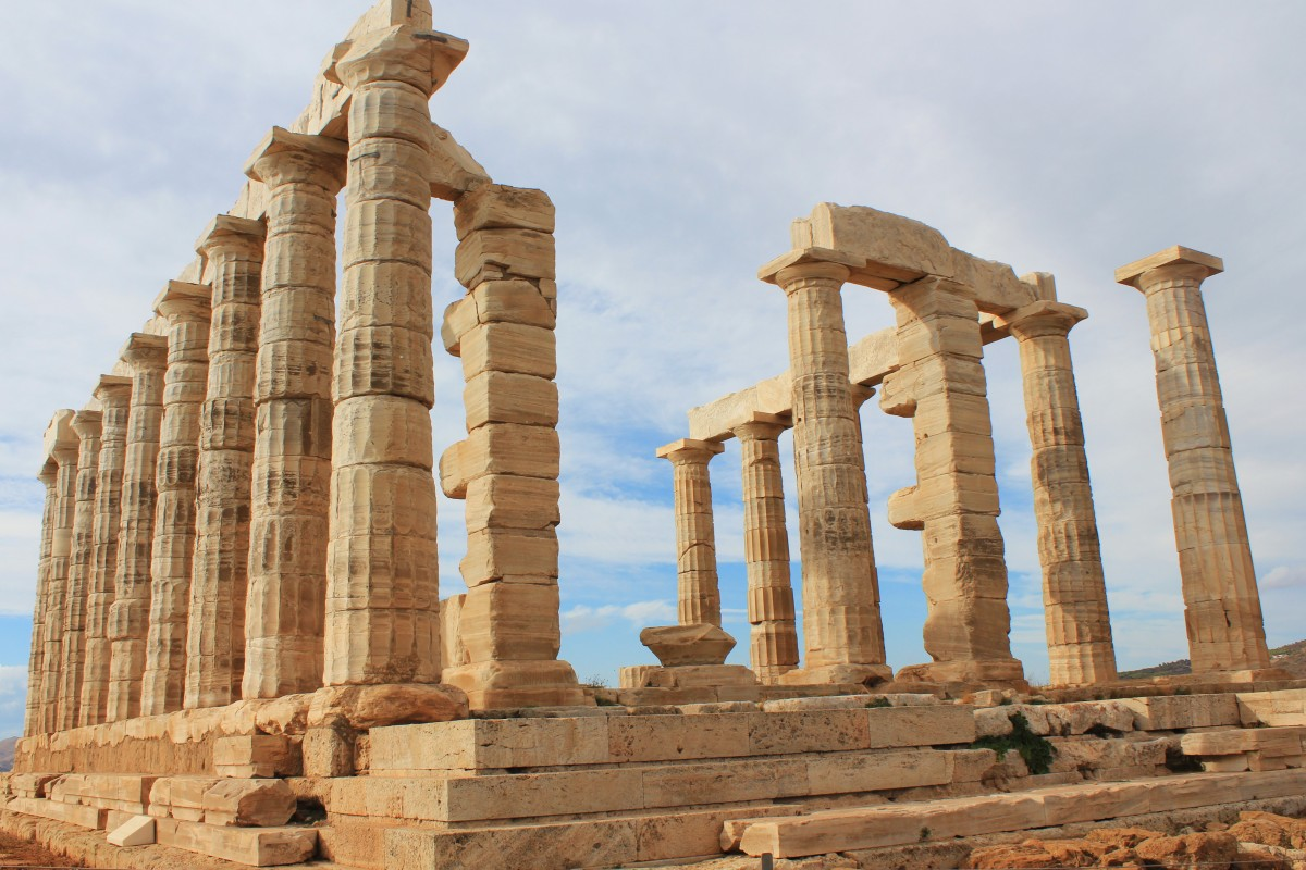 How to travel by bus to the Temple of Poseidon from Athens ...