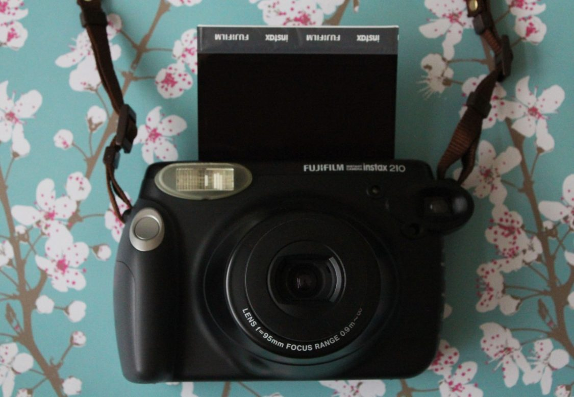 Fujifilm Instax 210 Wide Polaroid camera2