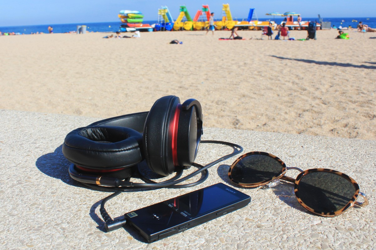SONY NWZ-A15 walkman and MDR-1A headphones
