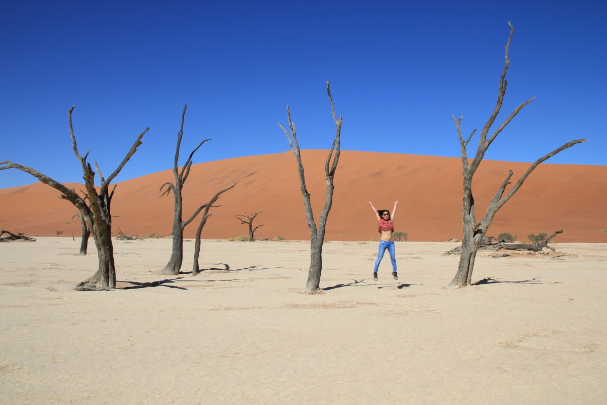 A true epic adventure: seeing Deadvlei in Namibia. - Bunch of Backpackers