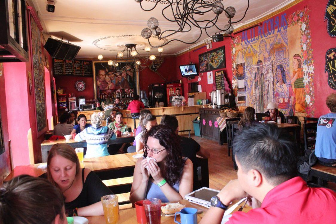 Bar / restaurant area Pariwana hostel Cusco