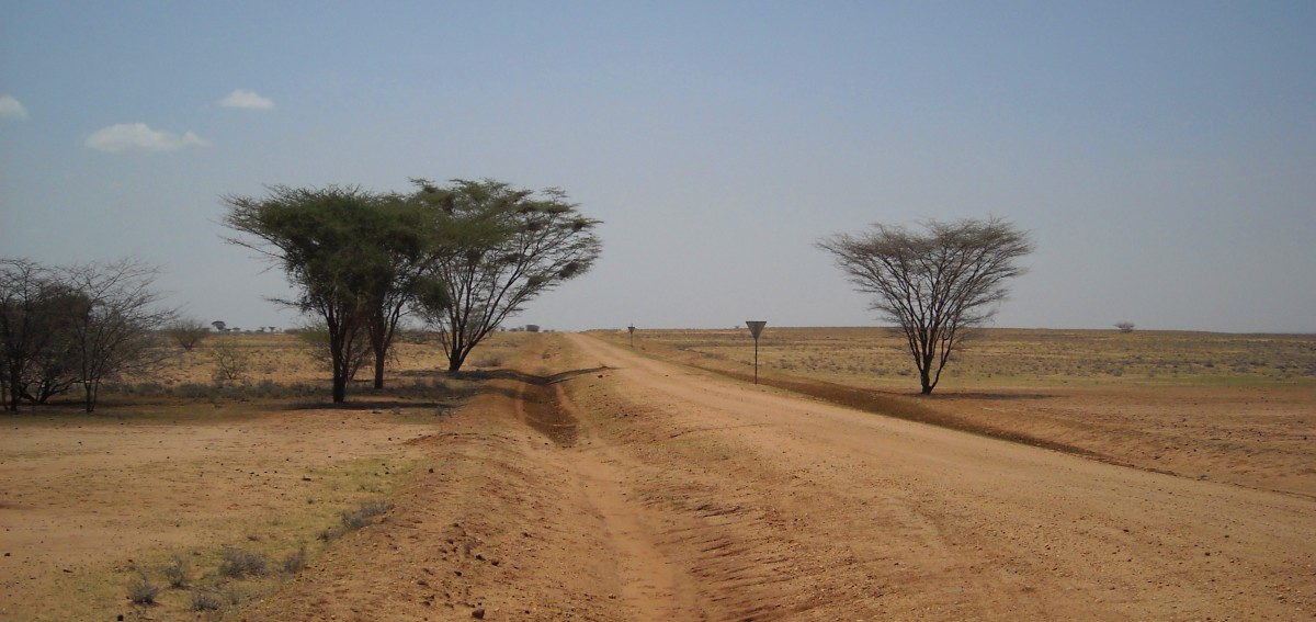 Northern desert in Kenya. ©Bunch of Backpackers.