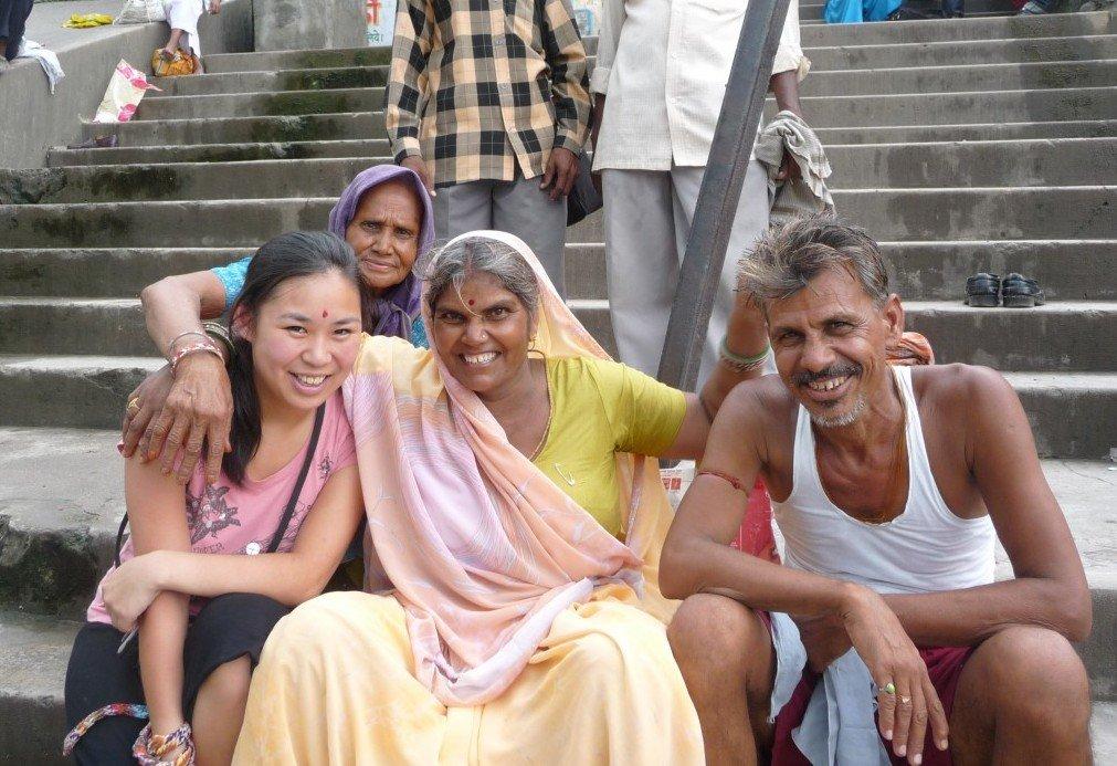 Bertemu Warga Lokal di India (Sumber: Bunch of Backpackers)