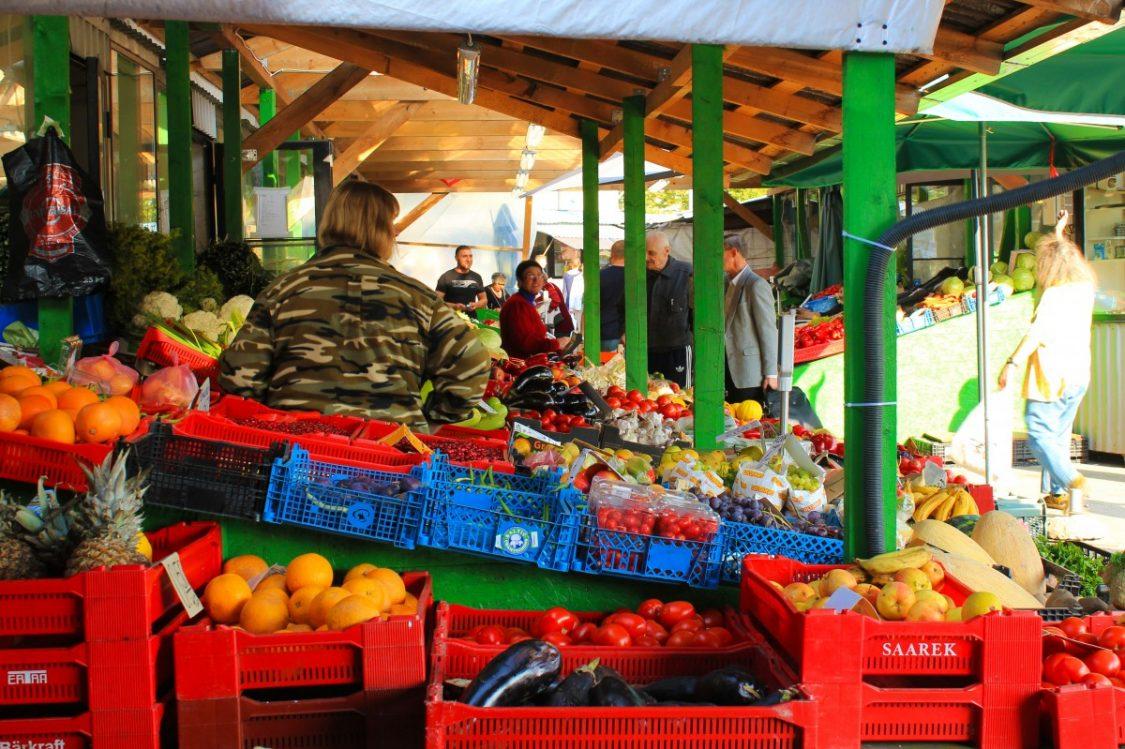 Russian Flea Market. ©Bunch of Backpackers.