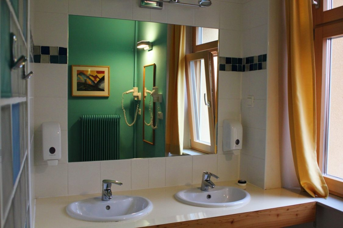 Bathroom Hostel Ruthensteiner
