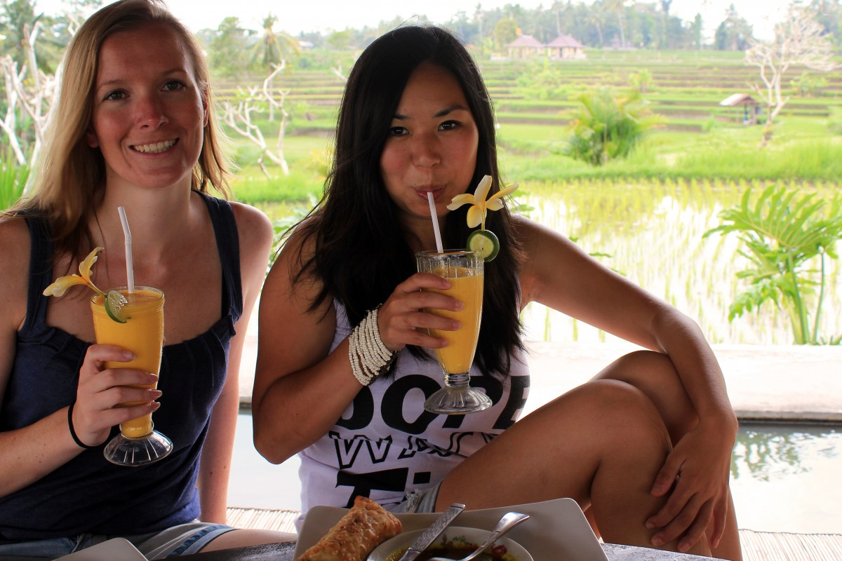 26-year-old Manouk with Saskia in Bali, Indonesia.