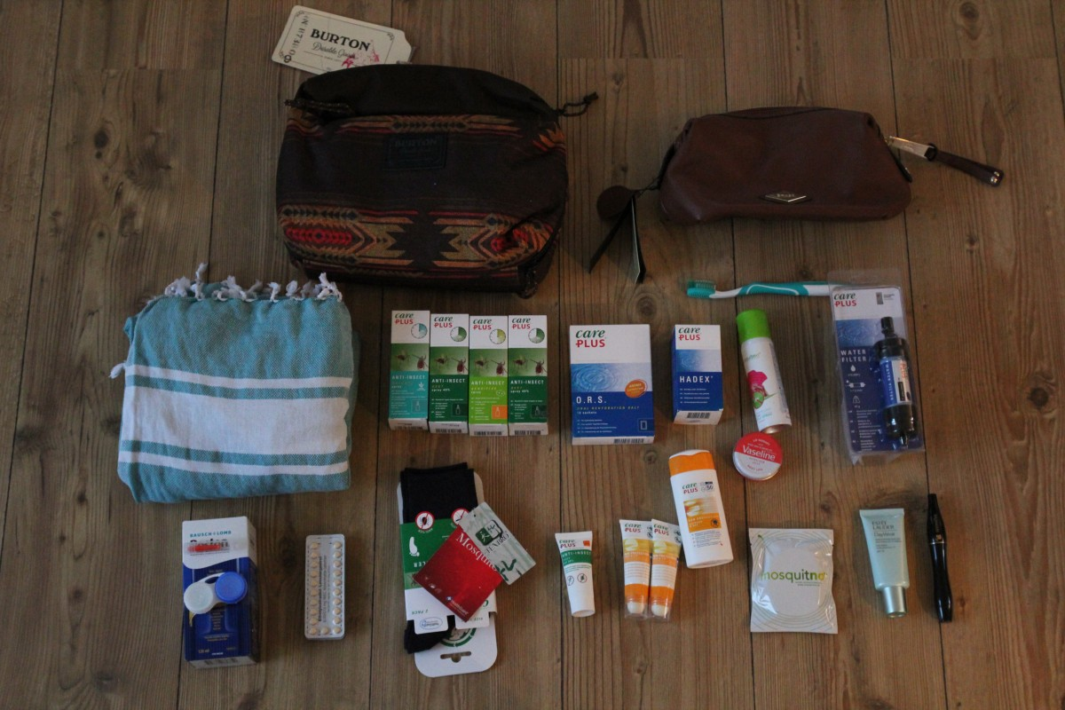 Toiletries - Packing list 6 months of backpacking. ©Bunch of Backpackers