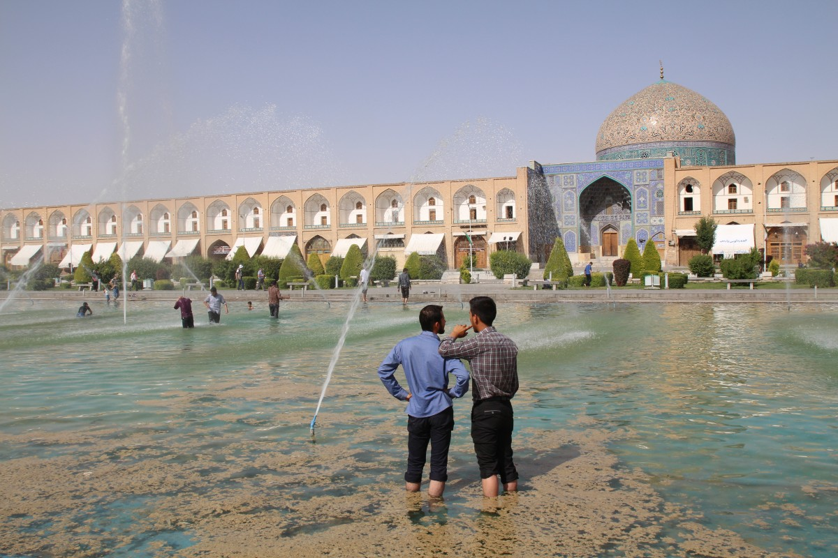 best-hostels-in-iran-amir-kabir-hostel-esfahan