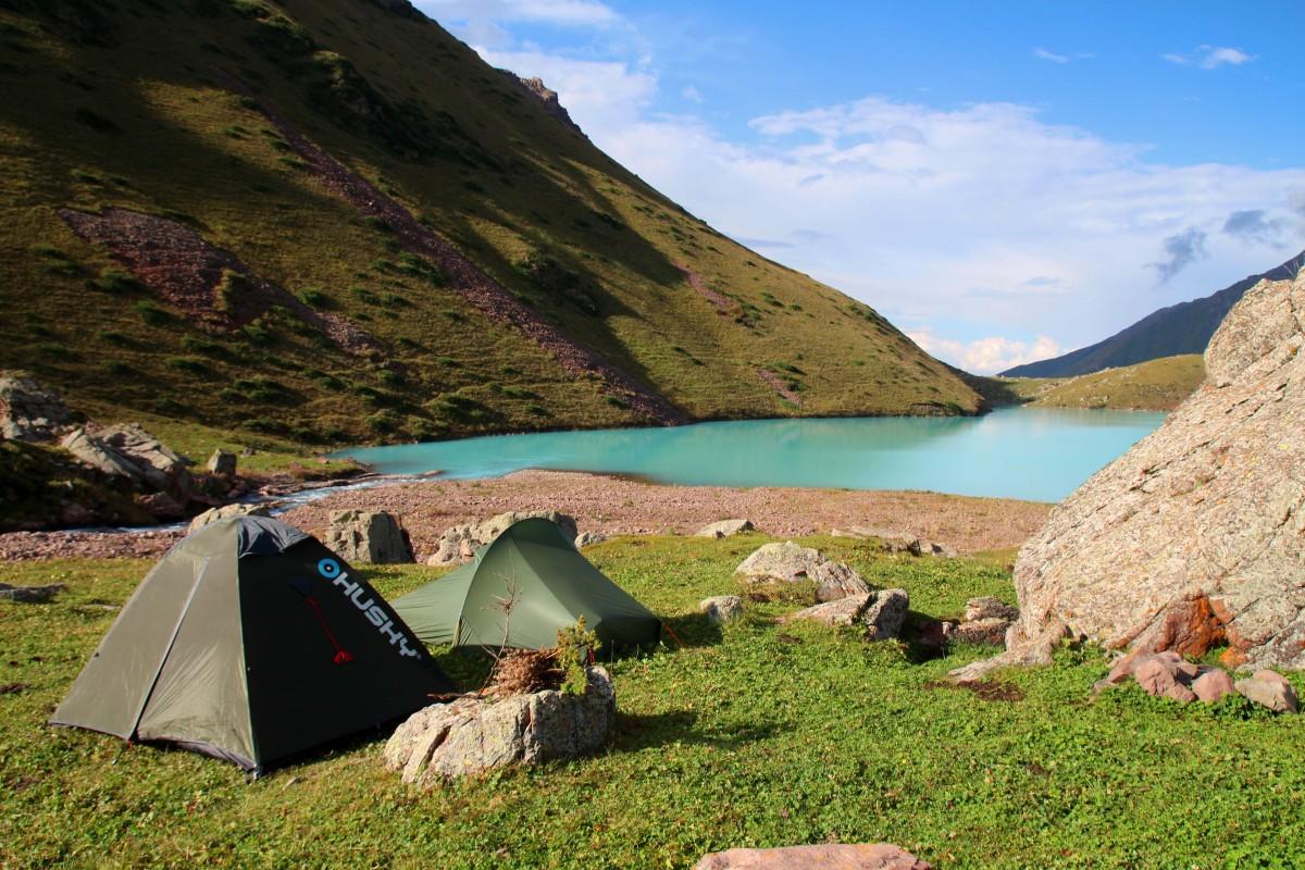camping-trekking-kol-tor-lake-kyrgyzstan