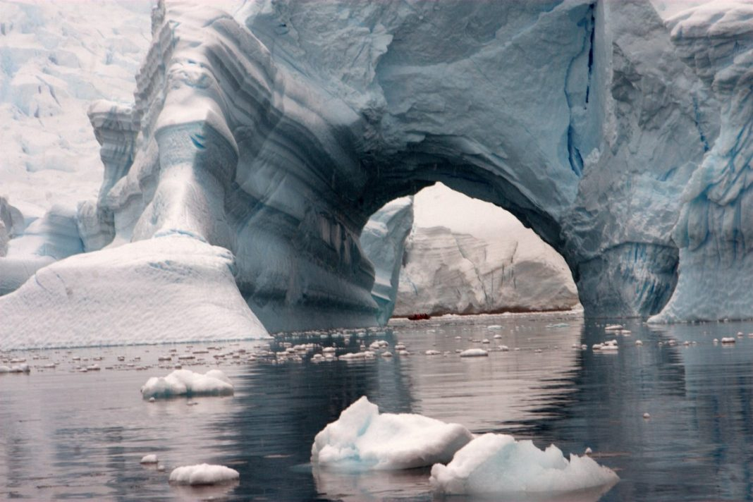 Antartica cruises ©Oceanwide Expeditions