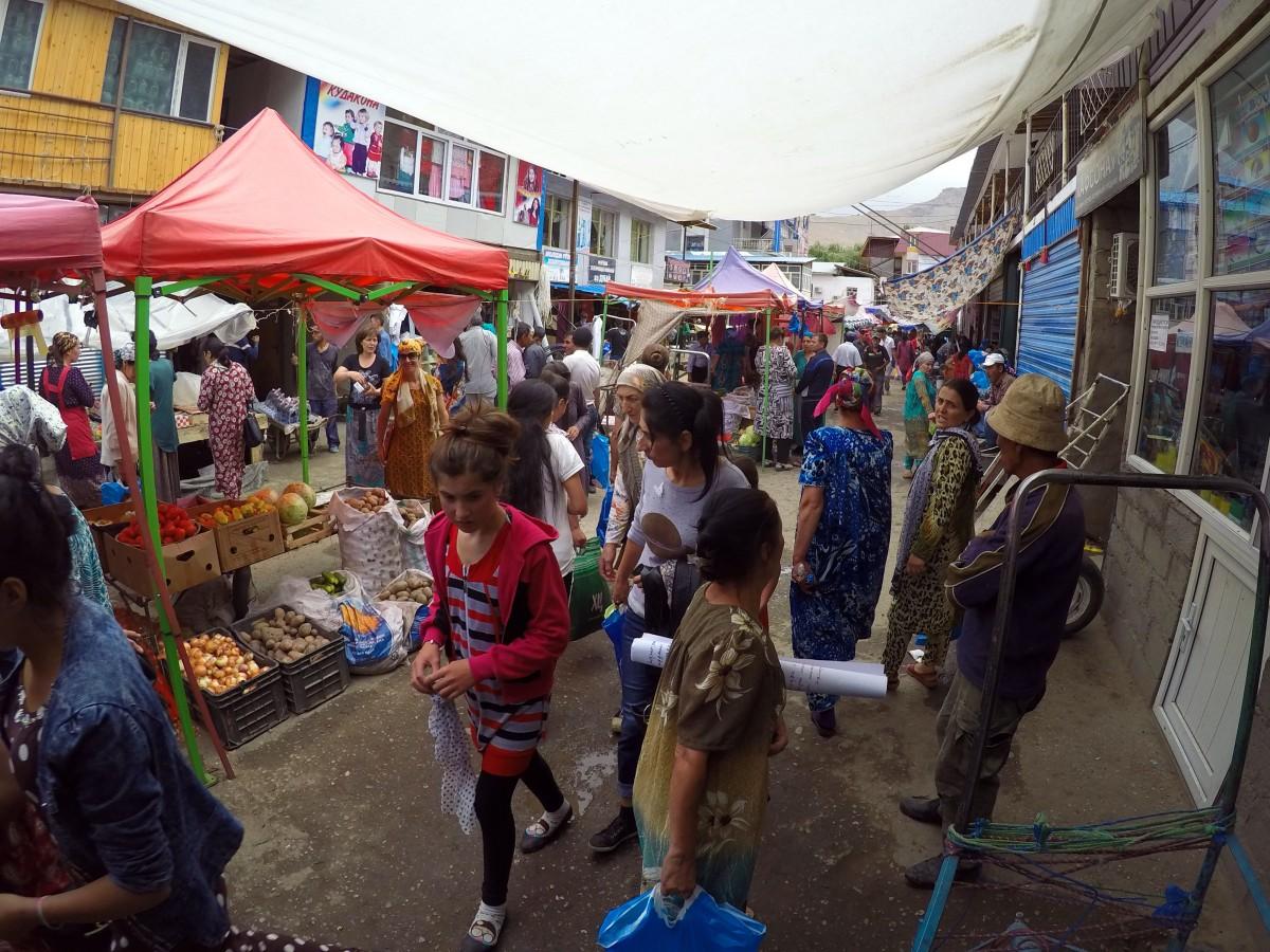 G1411931b Tadjikistan market Khorog