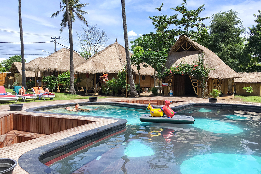 Best Hostels for Solo Travelers in Asia. Begadang Backpackers, Gili Air (1)
