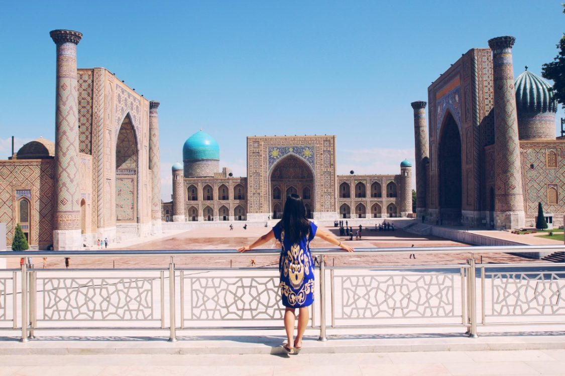Transformative travel. Traveling along the Silk Road: Samarkand, Uzbekistan. Copyright Bunch of Backpackers.