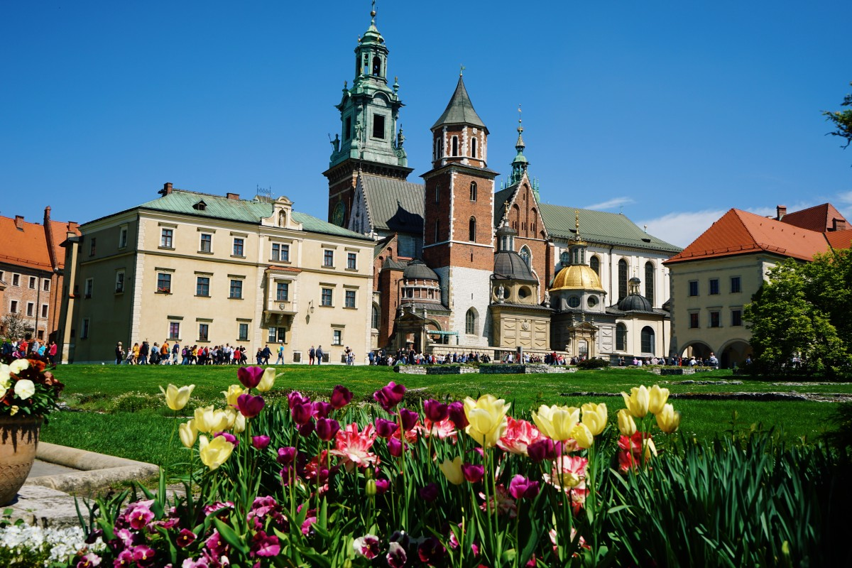 At Wawel castle in Krakow with flowers and sun!